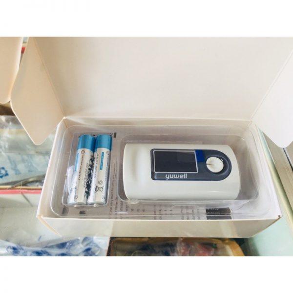 máy đo oxy máu Yuwell